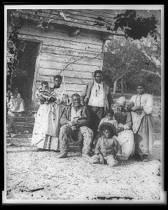 480px-Family_of_African_American_slaves_on_Smith's_Plantation_Beaufort_South_Carolina