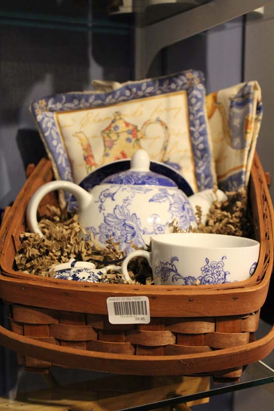 BASKET OF TEA ITEMS